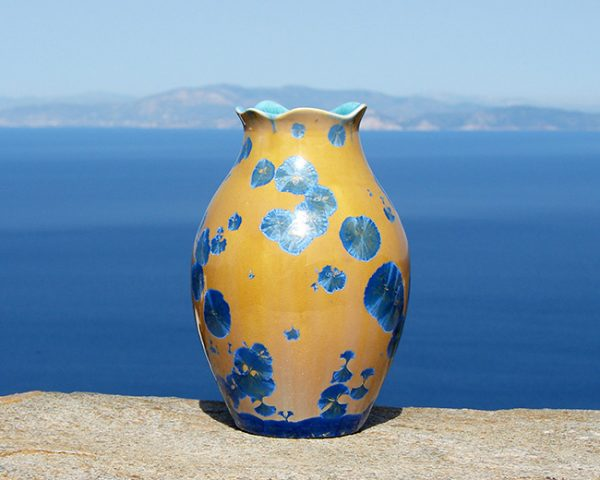 crystalline-vase-blue-on-orange-2020-2_sifnos-stoneware