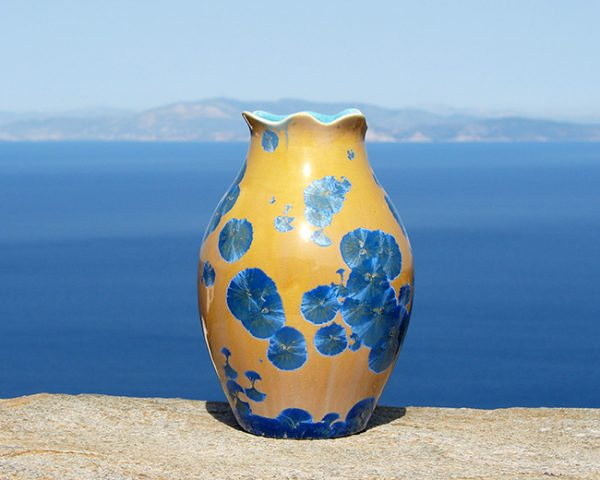 crystalline-vase-blue-on-orange-2020-3_sifnos-stoneware