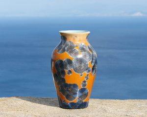 crystalline-vase-silver-blue-on-tan_sifnos-stoneware